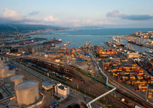 Новороссийск - лидер погрузообороту среди морских портов России