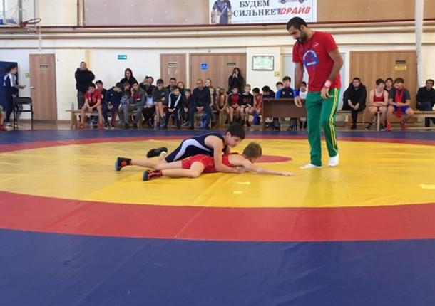 В Новороссийском районе прошел турнир по греко-римской борьбе
